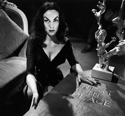 https://sqsmaravillosa.files.wordpress.com/2012/03/vampira-rip1.jpg